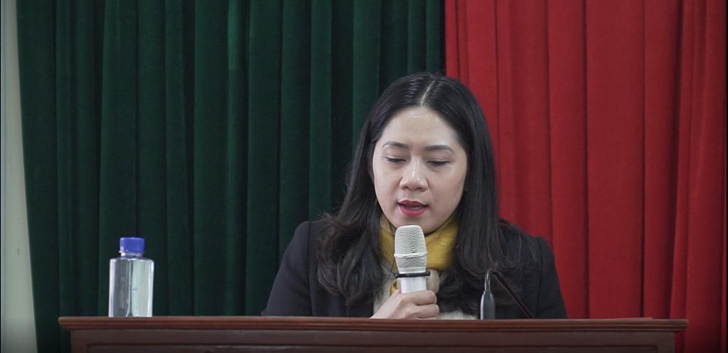 Cô Nguyễn Thu Bách - Tổng giám đốc Hệ thống Du học và Ngoại ngữ ISTAR phát biểu khai mạc Hội thảo.