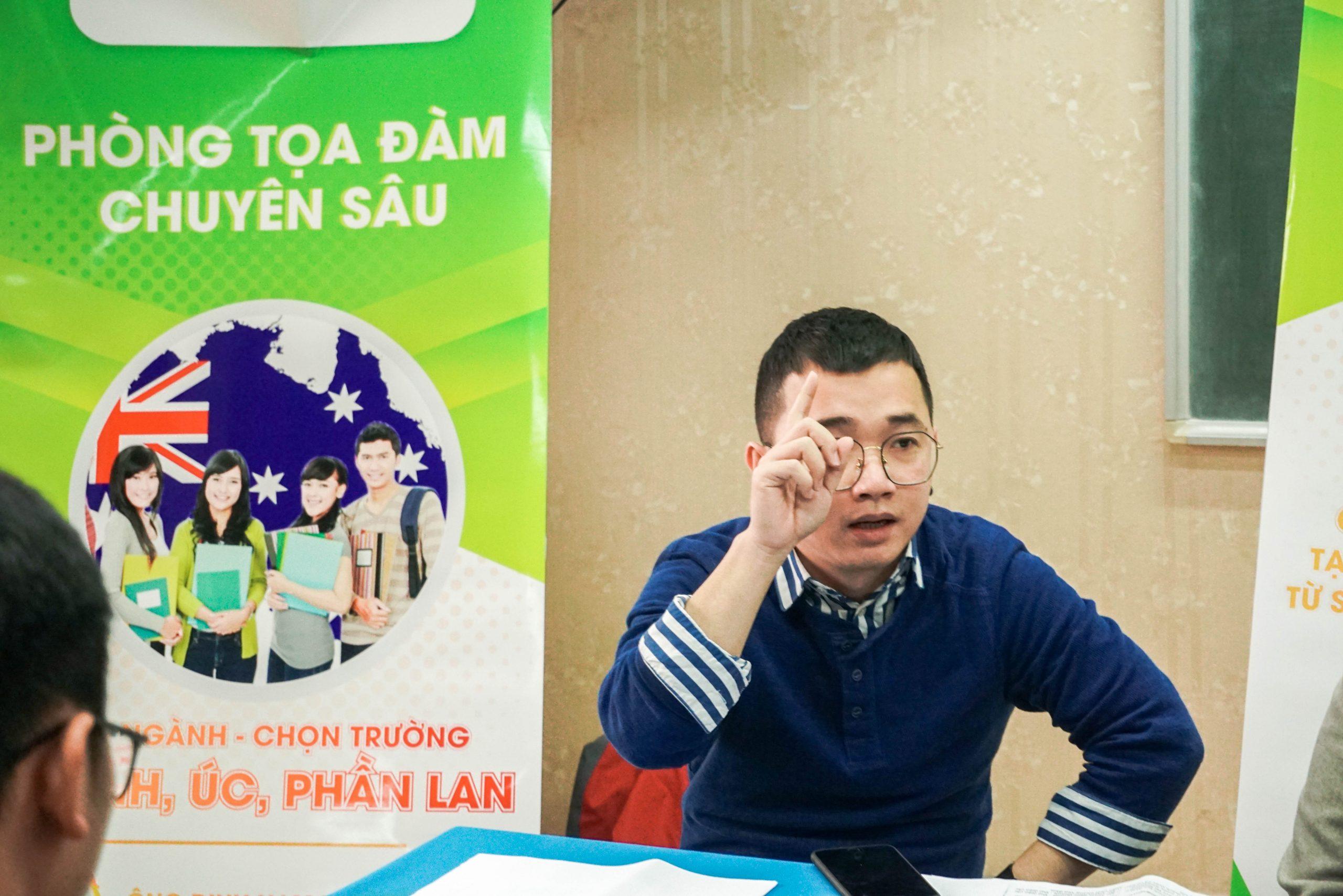 Ông Đinh Nam Phương - Đại diện các trường tại Anh, Úc chia sẻ những thông tin về ngành HOT - Lương KHỦNG tại các quốc gia này