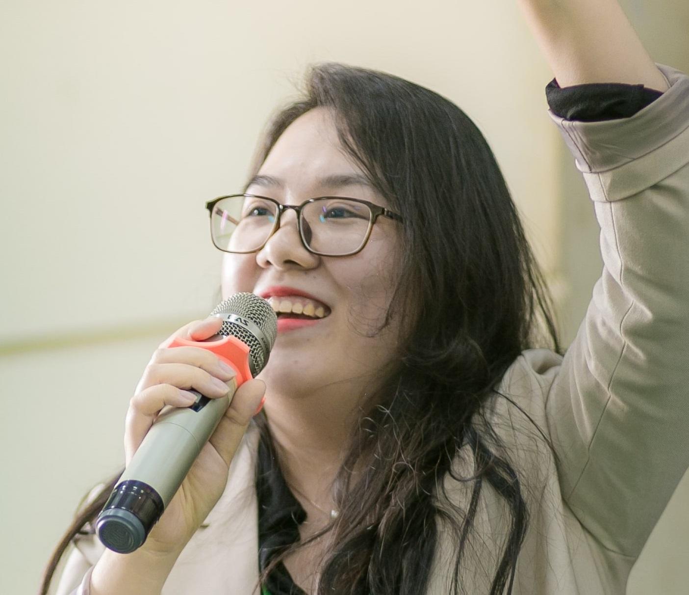 Bà Phạm Vân Anh