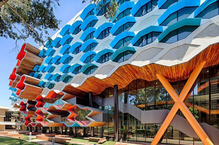 Khuôn viên cơ sở Melbourne hiện đại