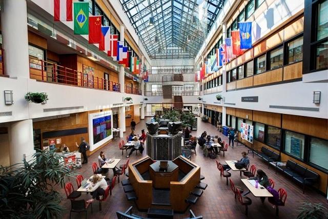 Khuôn viên học tập hiện đai, trang trọng bậc nhất Canada